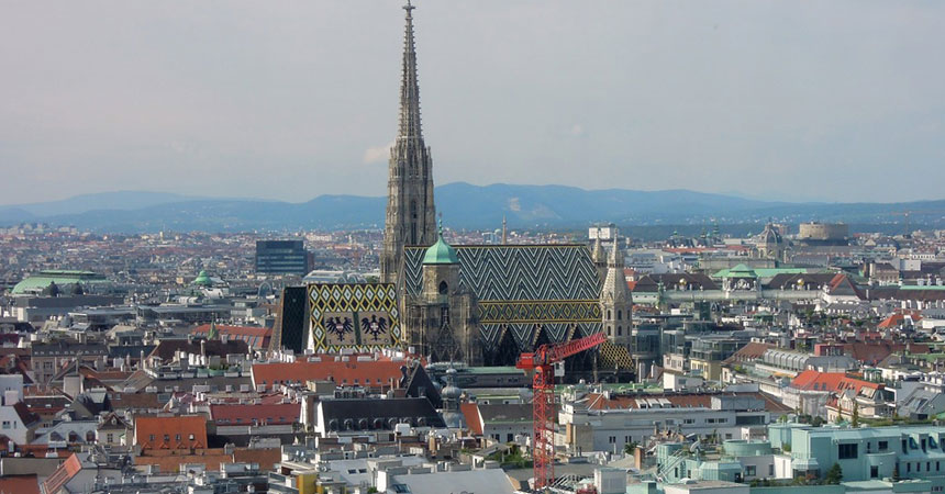 Najam kombija sa vozačem do Beča